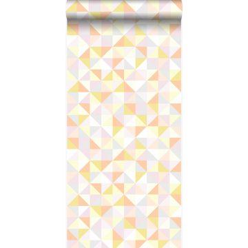 tapet trekanter pudderrosa, pastelfersken, pastelgult, varmt lysegråt og guldglinsende